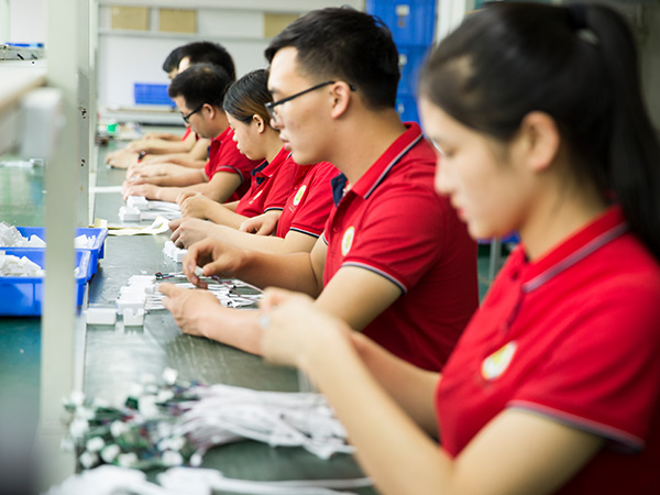 亚美云创-LED控制器生产线